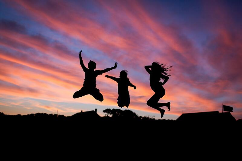 dot_blog_content_jumping_kids