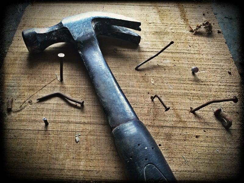 broken-builder-carpenter-209235
